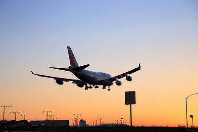 Philippine Airliner landing at LAX during a sunset